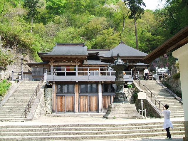 山寺の奥之院と大仏殿