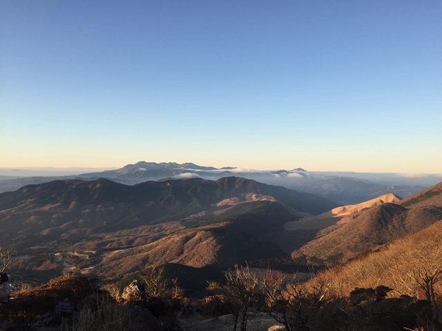 鶴見岳から見た青空