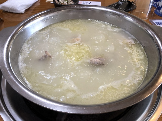 水たき長野 鶏肉とスープ