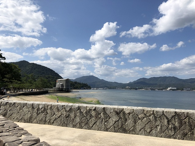 宮島の海辺